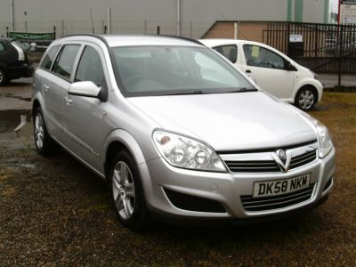 Vauxhall Astra 1.3 CDTi 16V Club [90] 5dr Estate Diesel Metallic SilverVauxhall Astra 1.3 CDTi 16V Club [90] 5dr Estate Diesel Metallic Silver at SDL Autos Hull